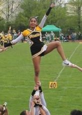Frisch gebackener Cheerleading-Trainer